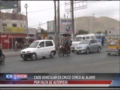 CAOS VEHICULAR EN EL ALAMO