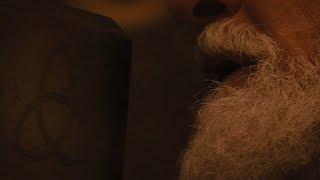 Кто бы не взял этот молот, если достоин, будет обладать силой Тора. Один изгоняет Тора.