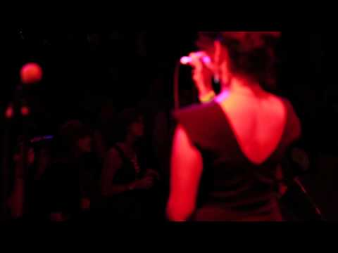 """Cigarette Break"" by Xoe Wise (Live at Lincoln Hall)"