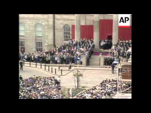 N. IRELAND: OMAGH: MEMORIAL SERVICE HELD FOR BOMB VICTIMS