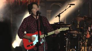 HD - Lookin' Out My Back Door (accordion intro) - John Fogerty - Trieste 2014