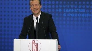 Медведев отказался отвечать на обвинения «политического проходимца» Навального
