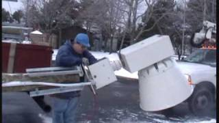 preview picture of video 'West Shore Service Crew attaching the siren head on the pole 12-22-2009'