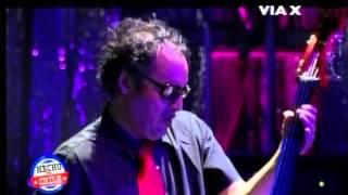 "Video thumbnail of ""Los Tres - Amores Incompletos (20 Años Teatro Caupolican 2011)"""