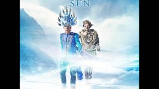 Empire Of The Sun - Alive [HQ]