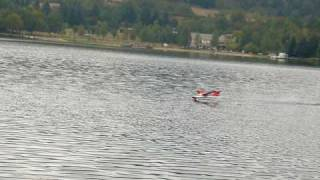 preview picture of video 'rc seaplane Amerrissage 2 hydravion Salagou lac de St Martial 07'