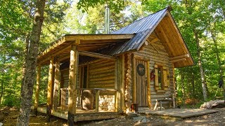 The New Porch on My Off Grid Log Cabin is My Favorite Spot on the Homestead – Nowy ganek w domku z logami My Off Grid to moje ulubione miejsce w Homestead