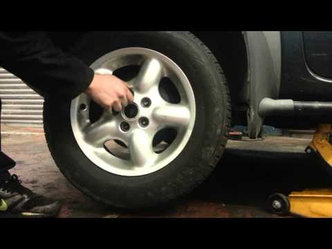 How to Change Replace Car Wheel / Tire Land Rover Freelander