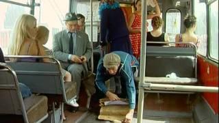 Смотреть онлайн Маски-шоу в троллейбусе