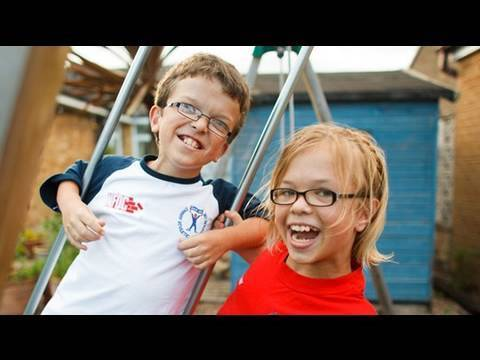 Screenshot for video: Achondroplasia - Carys and George's Story
