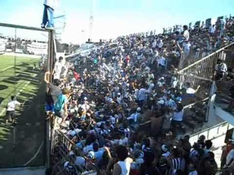 """CHACO FOR EVER VS SARMIENTO 29-01-2012"" Barra: Los Negritos • Club: Chaco For Ever"