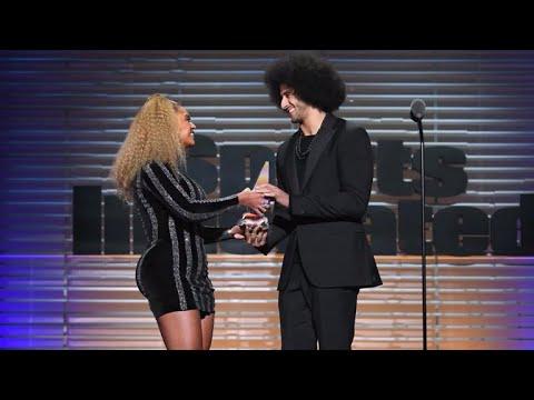 Beyoncé surprises Colin Kaepernick with Sports Illustrated award