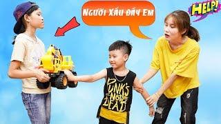 Cậu Bé Nhà Nghèo Không Nghe Lời - Dạy Bé Cảnh Giác Với Người Lạ ♥ Min Min TV Minh Khoa