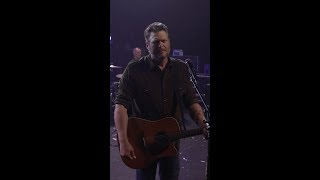 "Blake Shelton   ""God's Country"" (Vertical Video)"