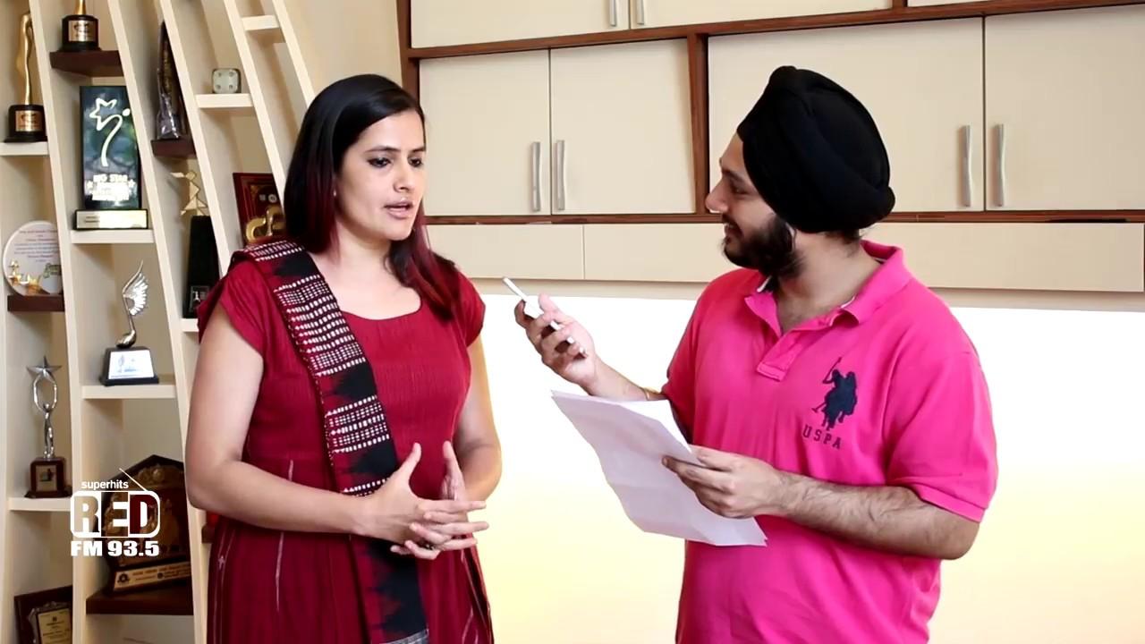 Sona Mohapatra with RJ Karam