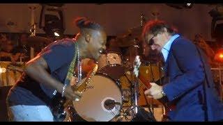 Best guitar duel ever! Joe Bonamassa and Eric Gales~John Henry