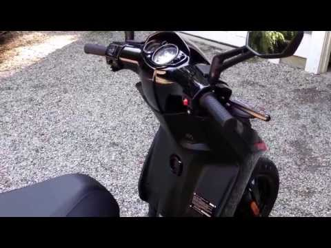 2014 Aprilia Motard SR50 Walk-Around