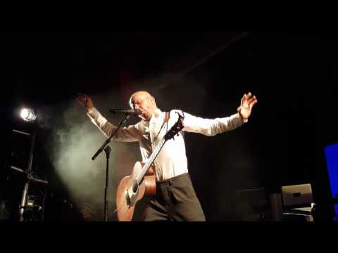 Samuli Putro - Valkoinen hetero (live @ Olympia-kortteli, 29.3.2017)