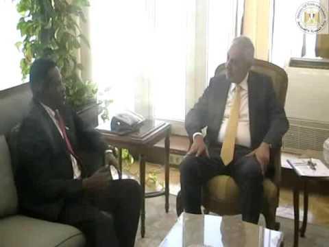 لقاء المهندس/طارق قابيل وزير التجارة والصناعة مع سفير تنزانيا بالقاهرة