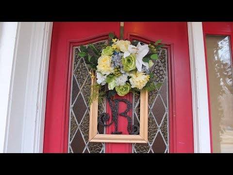 DOLLAR TREE DIY / Monogrammed Spring Wreath / Picture Frame Ideas /LOW BUDGET WREATH
