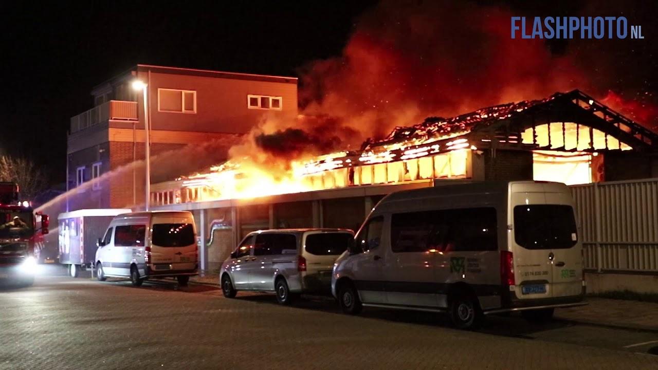 Grote uitslaande brand in loodsen – Prins Hendrikweg / Zekkenstraat Hoek van Holland