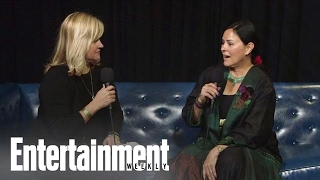 Outlander Author: How Book Fans React To Changes Made By The Series | PopFest | Entertainment Weekly