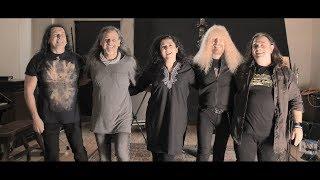 Camela - Sueños Inalcanzables Ft Medina Azahara (Lyric Video)