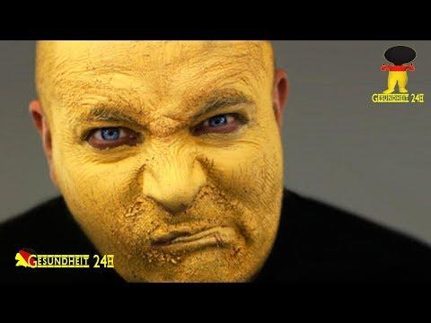 Die Säuberung für die kombinierte Gesichtshaut