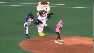 侍ジャパン強化試合で「若槻千夏」の始球式ナゴヤドーム2016/03/05