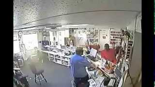 Thief & Fraud In Hattiesburg MS - Poses As MS DEVELOPEMENT - STOLE MUSIC GEAR From C&M MUSIC