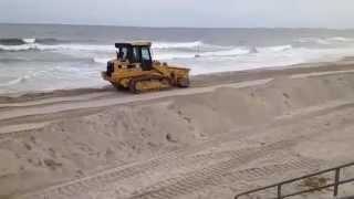 preview picture of video 'Rockaway Beach New York - iReporter - Hurricane Sandy - 7'