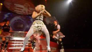 gwen stefani - what you waiting for? (live dvd harajuku lover) HQ