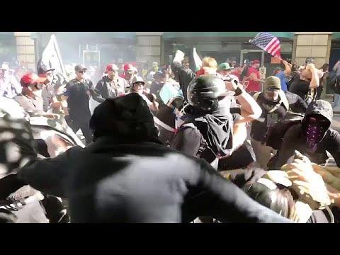 Στους δρόμους κατά της μεταναστευτικής πολιτικής Τραμπ…