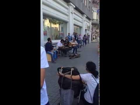 Kararsızlar sokak performansı