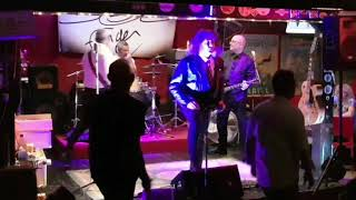 Doc Finger (Dr Feelgood) Drives me wild le 13-10-18 au Camping Route 99