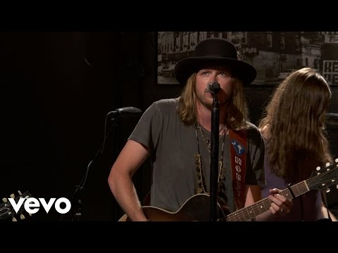A Thousand Horses - (This Ain't No) Drunk Dial - Vevo dscvr (Live)