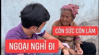 Bà ngoại 93 tuổi còn đi bán vé số để nuôi cháu chấn thương não, hỏi ai không thương!!!