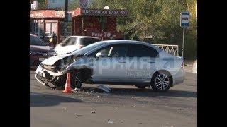 Хабаровчанка разбила головой стекло универсала во время ДТП.