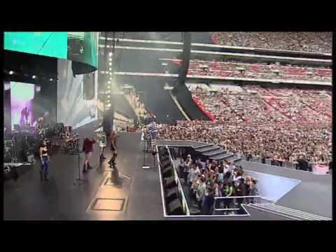 Ke$ha - TiK ToK (SummerTime Ball Performance)