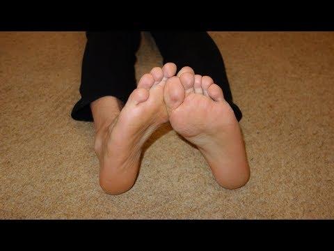 Wie der Nagel auf den Beinen getroffen gribkom aussieht
