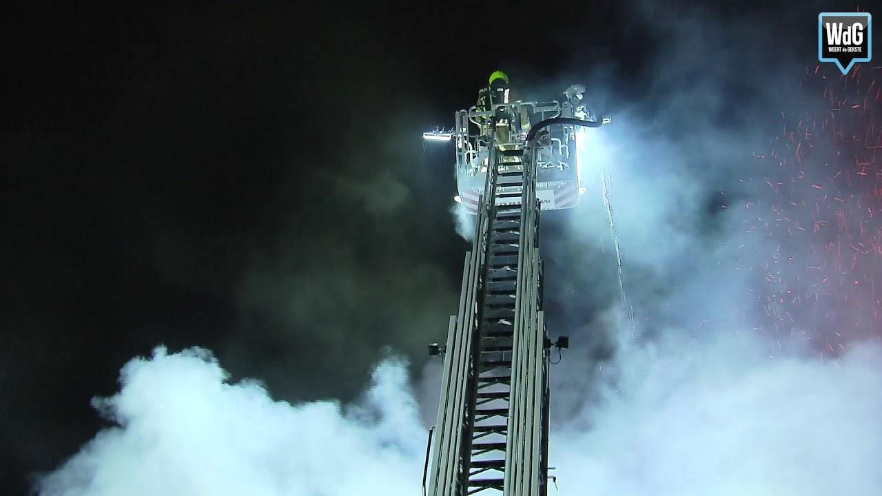 Grote brand in leegstaand gebouw in Horn