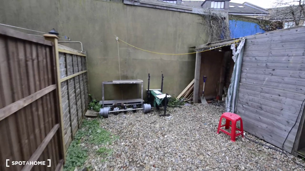 1-bedroom apartment with ensuite bathroom to rent in Willesden