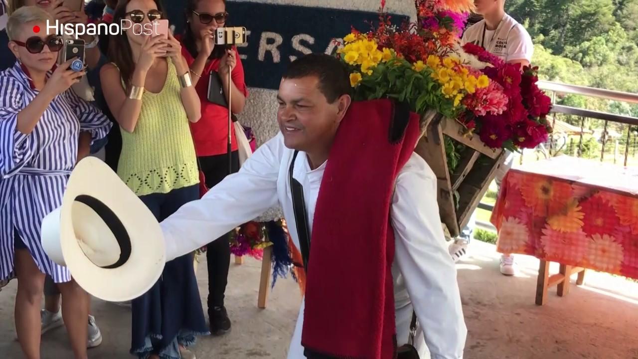 Silleteros listos para desfilar en la Feria de las Flores de Medellín