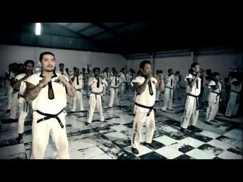 Petarung Sejati - Official Video by Jeanie & Satlat Gita (Tarung Derajat)