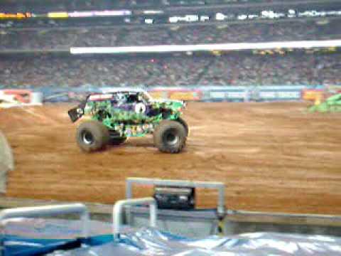 Monster Jam - Atlanta 2008 Grave Digger Freestyle