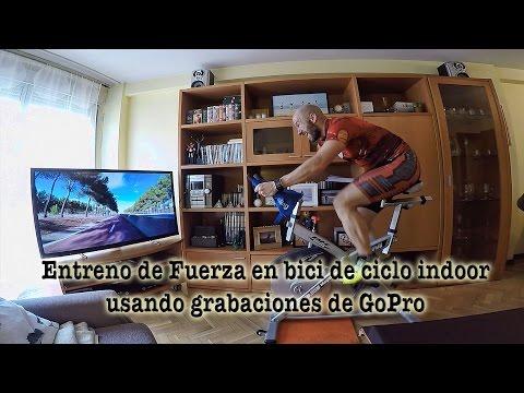 Entrenamiento de fuerza en bici de ciclo indoor con grabaciones propias de la GoPro