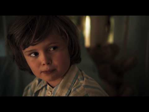 Goodbye Christopher Robin (Clip 'Golden Gown')