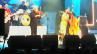 Imelda May with The Dubliners perform Kentish Town Waltz