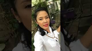 Diễn viên Việt Trinh về quê thăm vườn trái cây