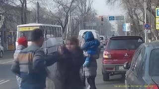 Лучшие приколы на дороге  Драки идиотов Лучшая коллекция
